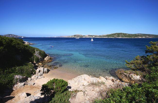 Villaggio isola dei gabbiani land of water palau sardegna for Isola arreda cagliari